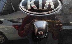 Auto Kia Rio 2017 de único dueño en buen estado-8