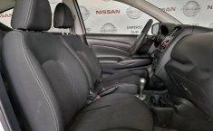 Se pone en venta Nissan Versa 2017-8