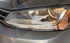 Auto Volkswagen Jetta Trendline 2017 de único dueño en buen estado-6