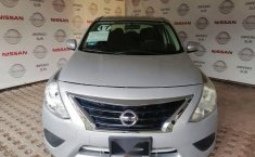 Se pone en venta Nissan Versa 2017-4