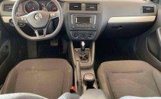 Auto Volkswagen Jetta Trendline 2017 de único dueño en buen estado-3