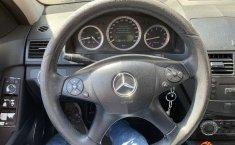 Venta de autos Mercedes-Benz Clase C 2008, Sedán usados a precios bajos-1