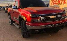 Venta de autos Chevrolet Cheyenne 2006, 2500 4x4 Cab Reg P, precios bajos-0
