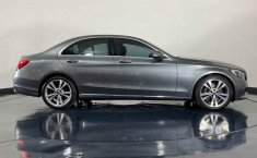 Auto Mercedes-Benz Clase C 2018 de único dueño en buen estado-2