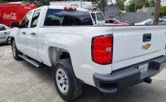 Venta de Chevrolet Silverado 2500 2017 usado Automática a un precio de 390000 en Iztacalco-9