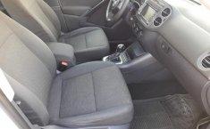 Auto Volkswagen Tiguan 2013 de único dueño en buen estado-17
