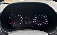 Auto Hyundai Accent 2020 de único dueño en buen estado-14