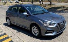 Auto Hyundai Accent 2020 de único dueño en buen estado-12