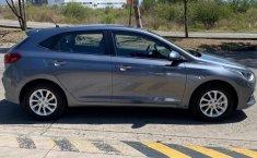 Auto Hyundai Accent 2020 de único dueño en buen estado-10