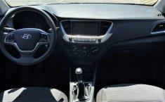 Auto Hyundai Accent 2020 de único dueño en buen estado-9