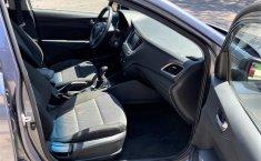 Auto Hyundai Accent 2020 de único dueño en buen estado-8
