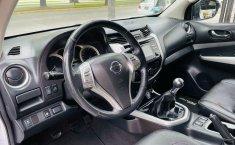 Auto Nissan Frontier 2020 de único dueño en buen estado-6