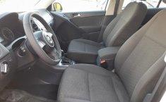 Auto Volkswagen Tiguan 2013 de único dueño en buen estado-15