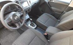 Auto Volkswagen Tiguan 2013 de único dueño en buen estado-12
