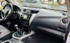 Auto Nissan Frontier 2020 de único dueño en buen estado-4
