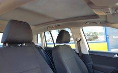 Auto Volkswagen Tiguan 2013 de único dueño en buen estado-9