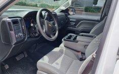 Venta de Chevrolet Silverado 2500 2017 usado Automática a un precio de 390000 en Iztacalco-6