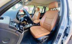 Auto BMW X3 2015 de único dueño en buen estado-8