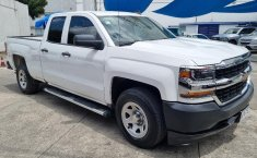 Venta de Chevrolet Silverado 2500 2017 usado Automática a un precio de 390000 en Iztacalco-5