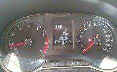 Auto Volkswagen Polo 2020 de único dueño en buen estado-6