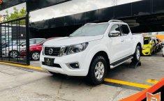 Auto Nissan Frontier 2020 de único dueño en buen estado-3