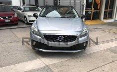 Se pone en venta Volvo V40 2016-4