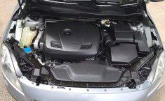 Auto Volvo V40 2016 de único dueño en buen estado-3