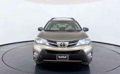 Toyota RAV4 2014 en buena condicción-3