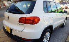 Auto Volkswagen Tiguan 2013 de único dueño en buen estado-3