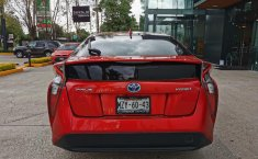 Pongo a la venta cuanto antes posible un Toyota Prius en excelente condicción-1