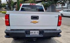 Venta de Chevrolet Silverado 2500 2017 usado Automática a un precio de 390000 en Iztacalco-1