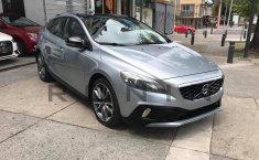 Se pone en venta Volvo V40 2016-0