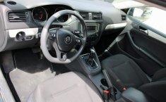 Auto Volkswagen Jetta 2016 de único dueño en buen estado-8