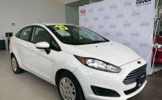 Auto Ford Fiesta 2015 de único dueño en buen estado-9