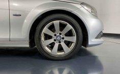 Se pone en venta Mercedes-Benz Clase C 2015-27
