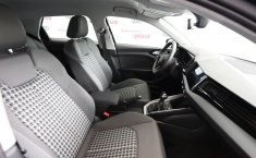 Audi A1 2021 en buena condicción-9