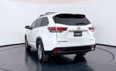 Se pone en venta Toyota Highlander 2015-15
