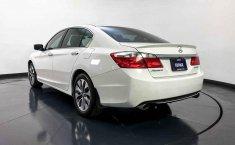 Auto Honda Accord 2015 de único dueño en buen estado-20