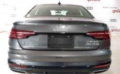 Audi A4 2021 en buena condicción-12