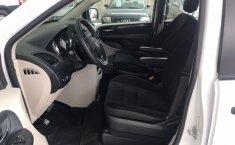 Auto Dodge Grand Caravan 2018 de único dueño en buen estado-6