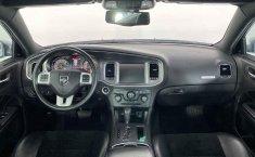 Auto Dodge Charger 2014 de único dueño en buen estado-19