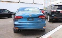 Auto Volkswagen Jetta 2016 de único dueño en buen estado-4