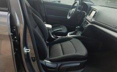 Hyundai Elantra 2018 barato en Huixquilucan-8