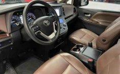 Se vende urgemente Toyota Sienna 2018 en Tlalnepantla-6