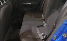 Auto Nissan March 2020 de único dueño en buen estado-5