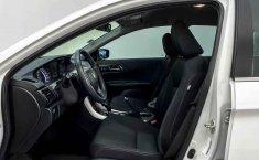 Auto Honda Accord 2015 de único dueño en buen estado-15