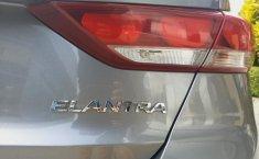 Hyundai Elantra 2018 barato en Huixquilucan-6