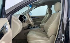 Auto Nissan Pathfinder 2014 de único dueño en buen estado-8