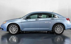 Se pone en venta Chrysler 200 2013-11