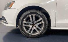 Se pone en venta Volkswagen Jetta 2015-13